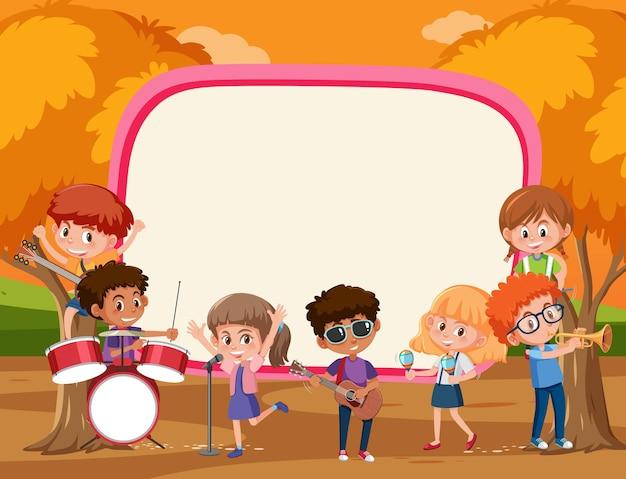 Banner vazio com crianças tocando diferentes instrumentos musicais