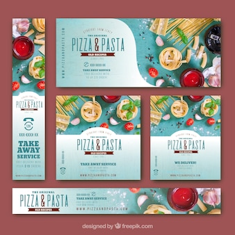 Banners coloridos com comida italiana