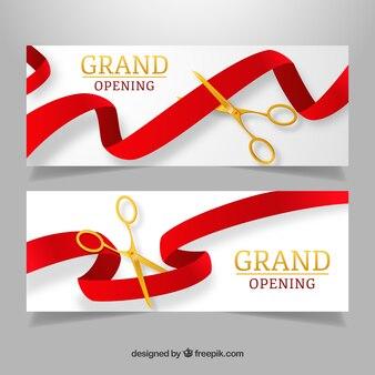 Banners de abertura realistas com tesouras douradas