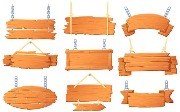 Banners de madeira pendurados.