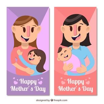 Banners de mulheres felizes com as crianças para o dia da mãe