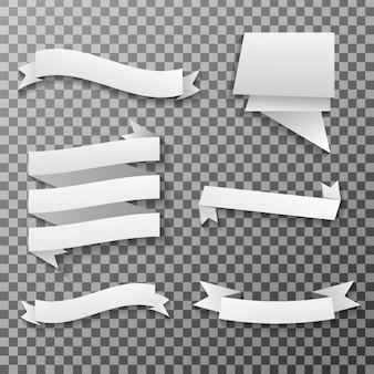 Banners de papel branco e etiquetas no fundo transparente.