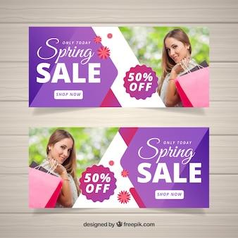 Banners de venda de primavera com formas abstratas