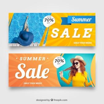 Banners de venda de verão com imagem de mulher
