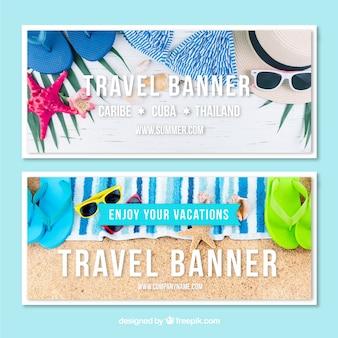 Banners de viagens com elementos de praia