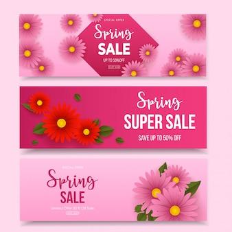 Banners horizontais de primavera venda conjunto com flores cor de rosa e vermelhas