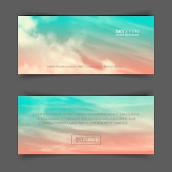 Banners horizontais estreitos com céu azul-rosa realista e nuvens cumulus.