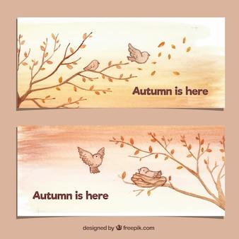 Banners lindos de outono com pássaros e árvores
