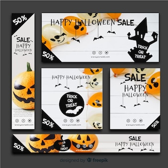 Banners modernos de halloween com design realista