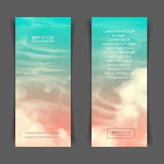 Banners verticais estreitos com céu azul-rosa realista e nuvens cumulus.