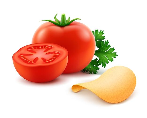 Batata frita crocante com tomate vermelho close-up isolado no fundo branco