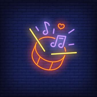 Batendo, tambor, sinal néon