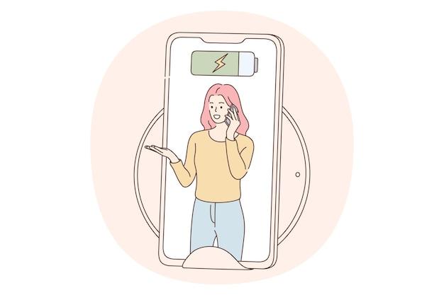 Bateria de bate-papo da tela do telefone com mulher que fala