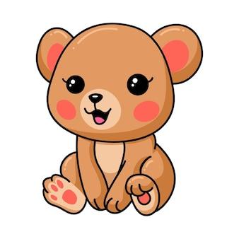 Bebê feliz urso pardo sentado