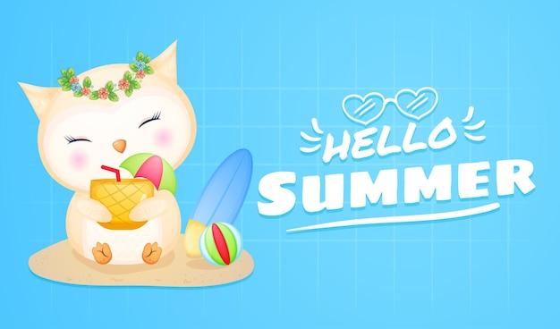 Bebê fofo coruja bebe suco de abacaxi com banner de saudação de verão