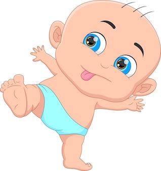 Bebê fofo em pé no fundo branco
