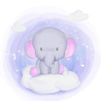 Bebê recém-nascido elefante sentado na nuvem