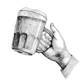 Bebida de cerveja, mão segurando a caneca de cerveja