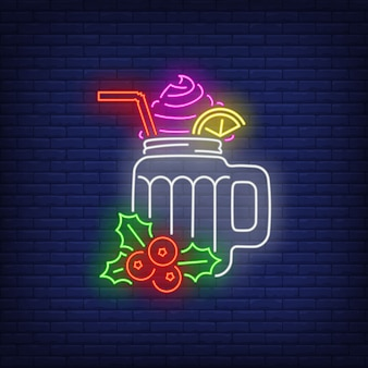 Bebida de natal com chantilly em estilo neon