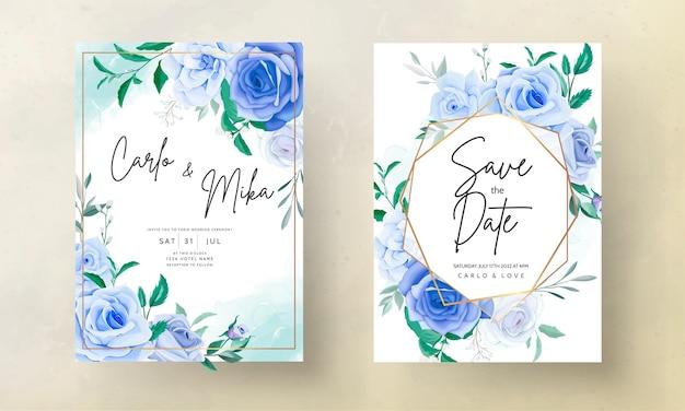 Bela mão desenhando um cartão de convite de casamento de flor azul