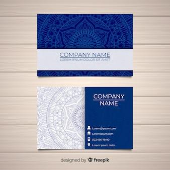 Belo cartão de visita com o conceito de mandala