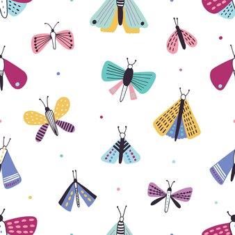 Belo padrão sem emenda com traças coloridas dos desenhos animados sobre fundo branco.
