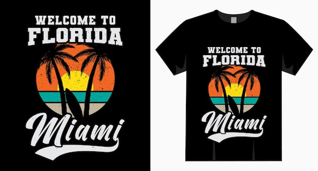 Bem-vindo à tipografia florida miami com camiseta para sol, palm e prancha de surf