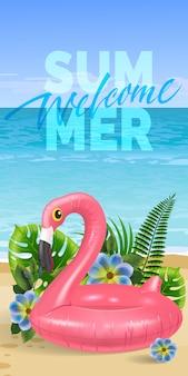 Bem-vindo verão, banner sazonal com folhas de palmeira, flores azuis, flamingo brinquedo rosa