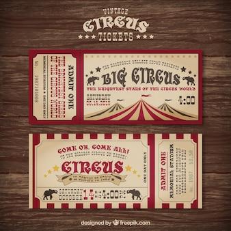 Bilhetes de circo em um projeto do vintage