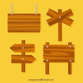 Bloco de quatro placas de madeira em design plano