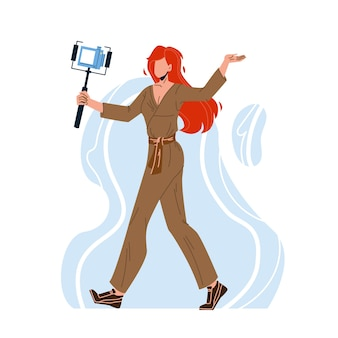 Blogger woman gravando vídeo com câmera