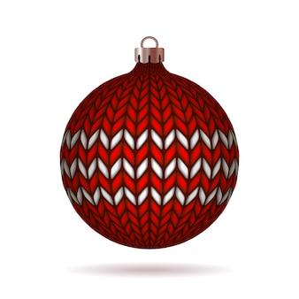 Bola de natal de malha vermelha em fundo branco. ilustração.