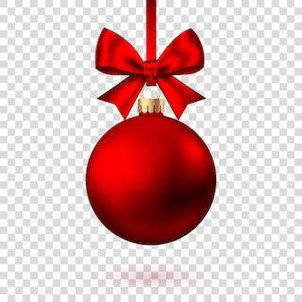 Bola de natal vermelha realista com arco e fita isolada no fundo branco. decoração da árvore de natal do vetor.