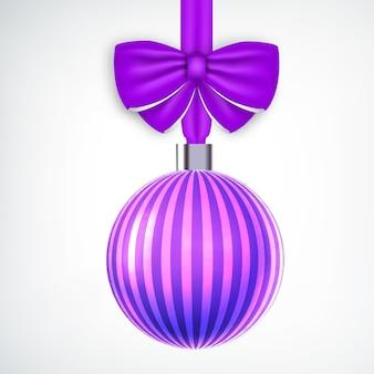 Bola de natal violeta listrada realista decorada com fita branca
