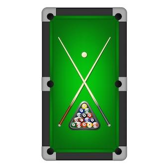 Bolas de bilhar, triângulo e dois tacos em uma mesa de bilhar.