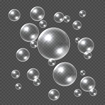 Bolhas de sabão realistas. esfera de sabão 3d branca, bolha de xampu clara. bola de água com modelo transparente de reflexões
