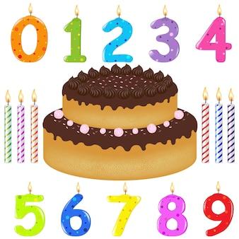 Bolo de aniversário com velas de diferentes formas