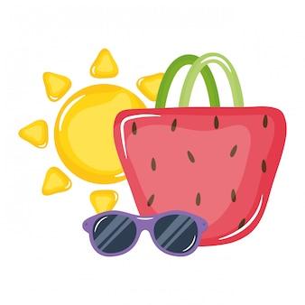 Bolsa feminina com óculos de sol e sol de verão