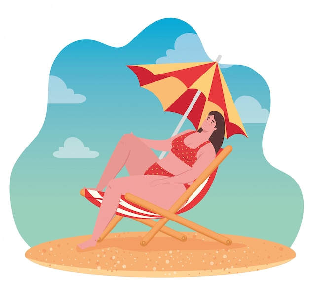 Bonita mulher gorda em traje de banho sentado na praia cadeira com guarda-chuva, temporada de férias de verão