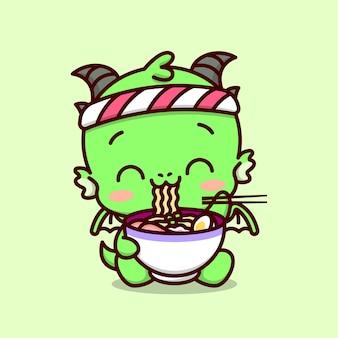 Bonito dragão bebê vestindo a banda japonesa e comendo uma grande taça de ramen