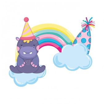 Bonito e pequeno hipopótamo com chapéu de festa e arco-íris