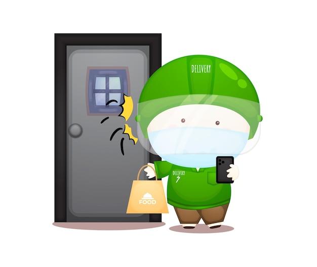 Bonito entregador pacote na frente de uma porta. serviço de entrega de comida online premium vector