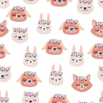 Bonito padrão sem emenda com cabeças de animais a dormir, flores. mão desenhada fundo com personagens infantis, tecido, artigos de papelaria, roupas e pijamas no estilo escandinavo.