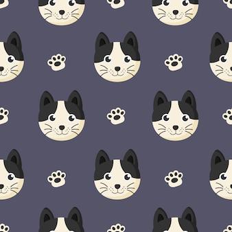 Bonito padrão sem emenda com gato de bebê dos desenhos animados e pegada para crianças. animal no fundo roxo.