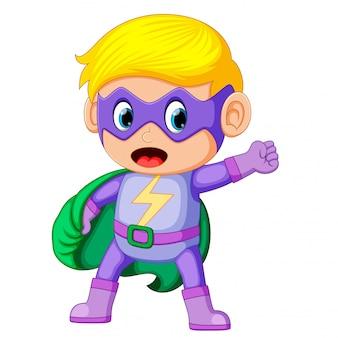 Bonito, sorrindo, criança, menino, em, superhero, traje