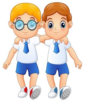 Bonitos alunos em uniforme escolar