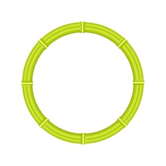 Borda do círculo de vime da cana de bambu verde em fundo branco