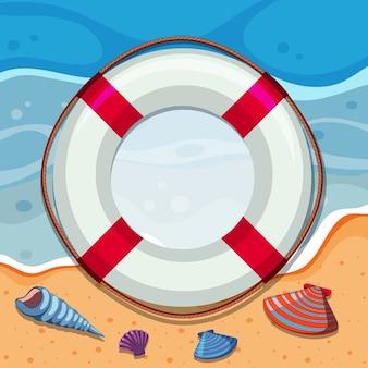 Borda redonda com conchas na praia
