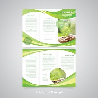 Brochura com três dobras da natureza