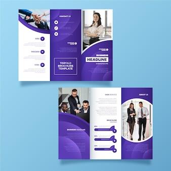 Brochura com três dobras estilo abstrato com foto